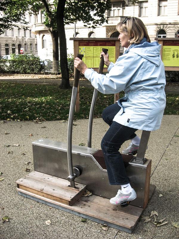 """Boxerrad"" im Seniorenpark Wien Rossau"
