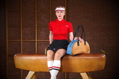 """Modell """"Salto"""" von Zirkeltraining – Tasche aus altem Turngeräte-Leder und Turnmatten-Stoff"""