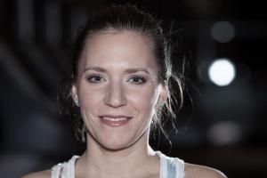Portraitbild von Bernadette Hoerner, redaktionelle Leitung Sportblog.cc