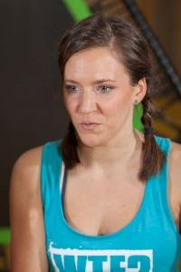 Fitnessbloggerin Bernadette Hörner in einer Interview-Situation