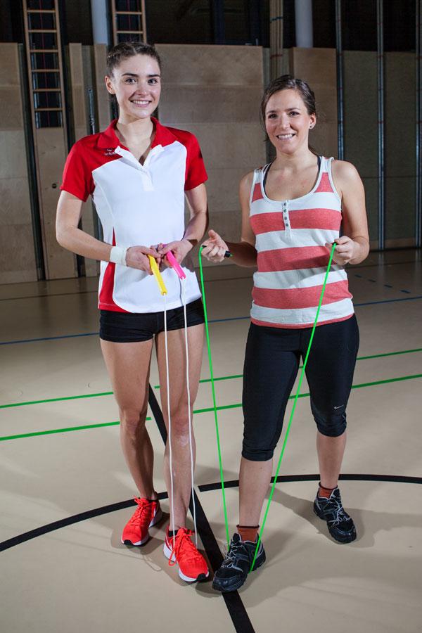Ropeskipping Staatsmeisterin Laura Göttfert beim Seilsprung-Training mit sportbblog.cc-Redakteurin Bernadette Hörner