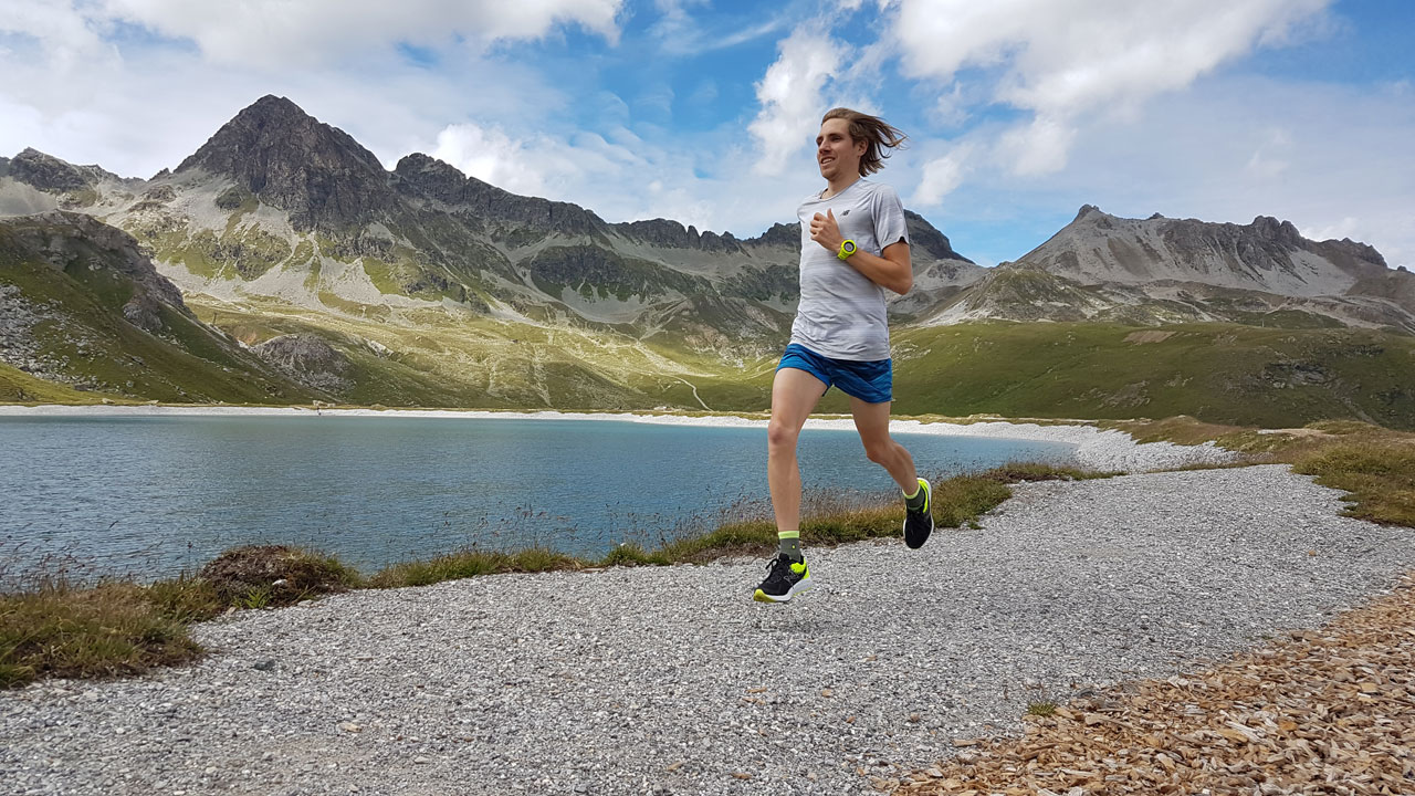Österreichischer Langstreckenläufer Christoph Sander trainiert in den Bergen
