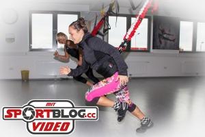 Bernadette Hörner testet im Bodyzone Deutsch Wagram (bei Wien) den 4D Pro Bungee-Slingtrainer