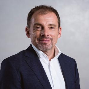 """Portraitbild von Prof. Dr. Christian Fink - Wahlarztpraxis """"Gelenkpunkt"""" in Innsbruck"""