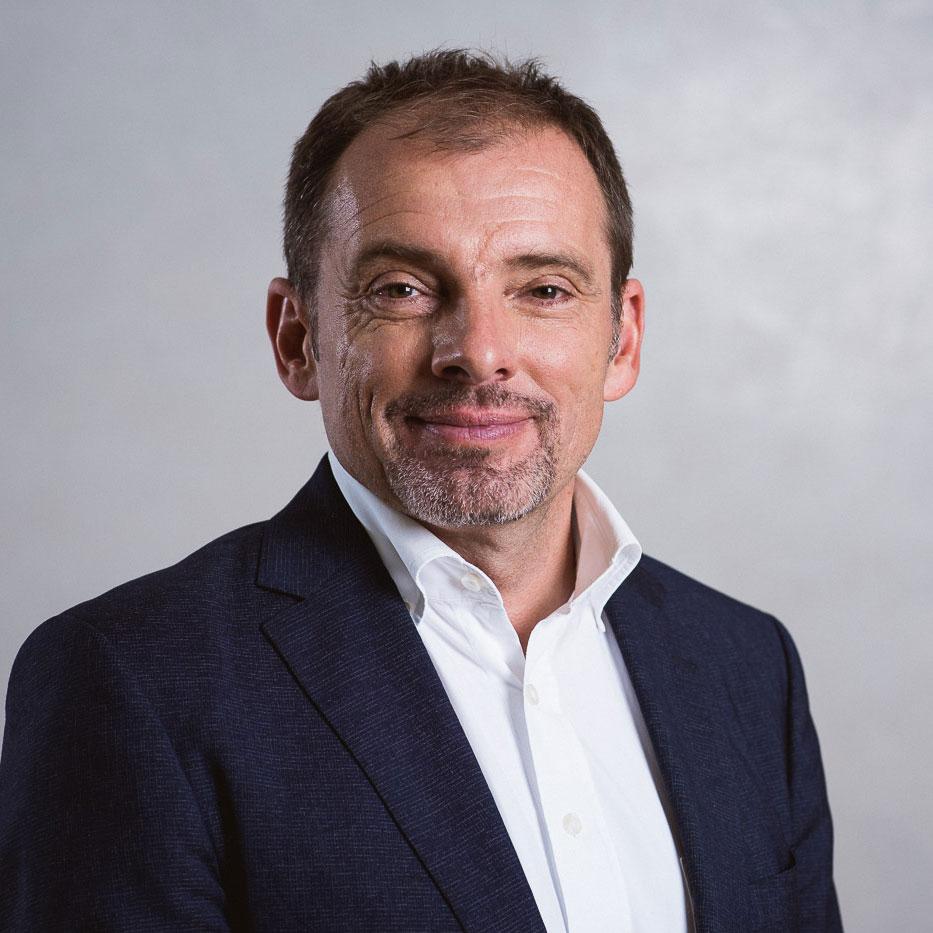 """Portraitbild von Prof. Dr. Christian Fink - Wahlarztpraxis """"Gelenkpunkt"""" Innsbruck"""