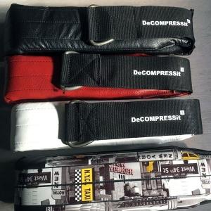 Decompressit-Slingtrainer in unterschiedlichen Variationen für die Wirbelsäulen-Entlastung