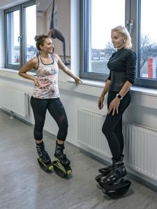 Kangoo Jumps Mastertrainerin und Presenterin Maria-Eliza-Raum plaudert mit Fitnessbloggerin Bernadette Hörner
